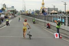 Atleta di triathlon Fotografie Stock Libere da Diritti