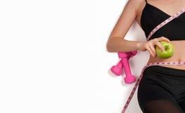 Atleta esile della donna che fa allenamento di forma fisica Fotografia Stock Libera da Diritti