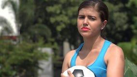 Atleta fêmea triste With Soccer Ball video estoque