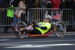 Atleta lisiado en el maratón Fotografía de archivo
