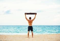 Atleta maschio Exercising Outdoors Immagine Stock Libera da Diritti