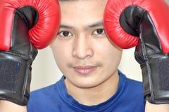 Atleta maschio serio Boxer fotografie stock