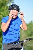 Atleta Retiree Male Cyclist y ejercicio de la ansiedad foto de archivo libre de regalías