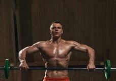 Atleta ćwiczy z barbell Obraz Stock
