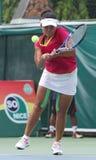 Atletas de sexo femenino del tenis del indonesio Ayu Fani Damayanti en actio Fotos de archivo libres de regalías
