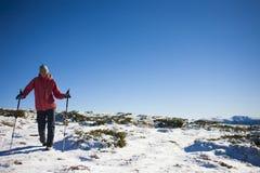 Atletenlooppas in de winter in de bergen Royalty-vrije Stock Afbeelding