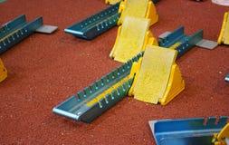 Atletisch beginblok Stock Foto's