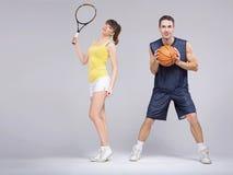 Atletisch paar tijdens de opleiding royalty-vrije stock foto