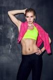 Atletische jonge vrouw Stock Foto