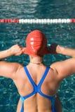 Atletische zwemmer stock foto's