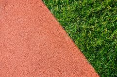 Atletyka bieg trawy w stadium i ślad Mistrz, tło obrazy stock