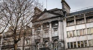 Atmósfera arquitectónica del detalle y de la calle delante del banco de Ulster en Dublín fotografía de archivo libre de regalías