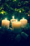 Atmósfera festiva de la decoración del advenimiento de la Navidad Imágenes de archivo libres de regalías