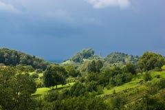 Atmósfera tempestuosa en las montañas suabias Fotografía de archivo libre de regalías
