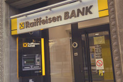 ATM和分支Raiffeisen银行4 免版税库存照片