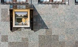 ATM na parede Fotografia de Stock Royalty Free