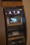 Atm-pengarbankomat Fotografering för Bildbyråer