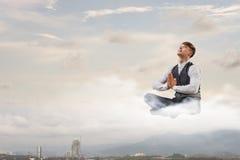 Atmen Sie tief ein und entspannen Sie sich Stockfoto