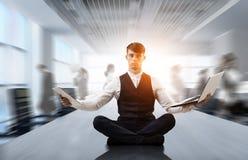 Atmen Sie tief ein und entspannen Sie sich Gemischte Medien Stockbilder