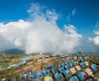 Atmosfär av Phu thapbuek, populär toursitattracton i Phetch Royaltyfri Foto