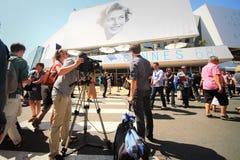 Atmosfär under den 68th årliga Cannes filmfestivalen Royaltyfri Foto