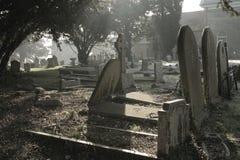 atmosfärisk kyrkogårdplats Royaltyfri Foto