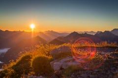 Atmosférico e impressionantemente por do sol Imagem de Stock Royalty Free