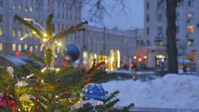 atmosfera świąteczna Boże Narodzenie zabawki wiesza na drzewie E zbiory wideo