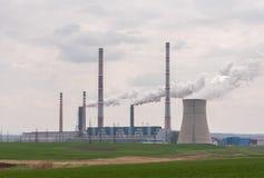 Atmosfera industrial poluir da tubulação Fotos de Stock