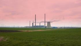 Atmosfera industrial poluir da tubulação Fotografia de Stock
