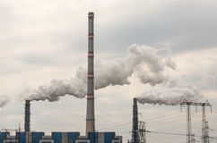 Atmosfera industrial poluir da tubulação Foto de Stock Royalty Free