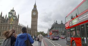 Atmosfera Londyn w big ben przy południem zbiory wideo