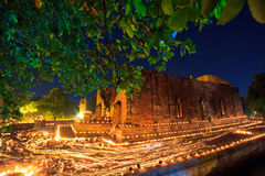 Atmosfera nel giorno di buddismo al tempio Immagini Stock Libere da Diritti
