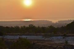 Atmosfera prima del tramonto al bacino idrico in Ubon Ratchathani, del nord Immagine Stock Libera da Diritti