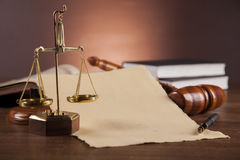 Atmosferische samenstelling met wet en rechtvaardigheidsmateriaal Stock Foto's