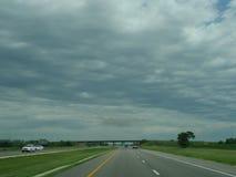 Atmosferyczna brąz chmura, zmrok chmura nad wiejskim Ameryka Fotografia Stock