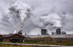 Atmosferyczny zanieczyszczenie powietrza Od Przemysłowy Dymnego Teraz zdjęcia royalty free