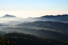 Atmosphäre auf Berg Stockfotografie