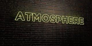 ATMOSPHÄRE - realistische Leuchtreklame auf Backsteinmauerhintergrund - 3D übertrug freies Archivbild der Abgabe stock abbildung