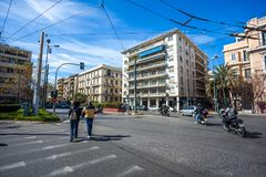 11 03 2018 Atnens, Ελλάδα - σπίτια και οδοί της Αθήνας, σύγχρονα Στοκ Εικόνες