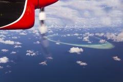 Atolón de Maldives de arriba Foto de archivo libre de regalías