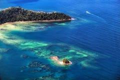 Atol Bornéu do paraíso foto de stock royalty free