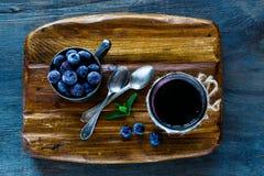 Atolamento caseiro da uva-do-monte Fotos de Stock
