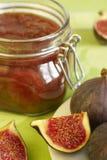 Atolamento de um figo e dos segmentos do citrino Imagens de Stock