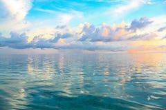 Atoll du sud d'Ari. Les Maldives. Photo stock