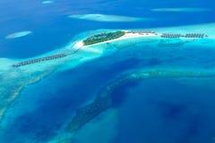 Atoll Maldiverna från himmelsikt Arkivfoto