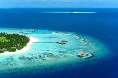 Atoll privé Maavelaavaru de Noonu d'île de Velaa images stock