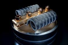Atomizador de Vaping com bobina do clapton rendição 3d foto de stock