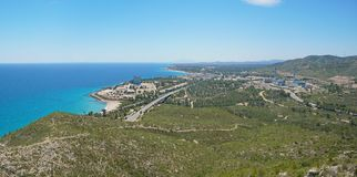 Atomkraftwerk Spaniens auf Mittelmeerküste lizenzfreies stockfoto