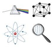Atomo e prisma, lente e reticolo cristallino inciso disegnato a mano nel vecchio schizzo e nei simboli d'annata calcoli royalty illustrazione gratis